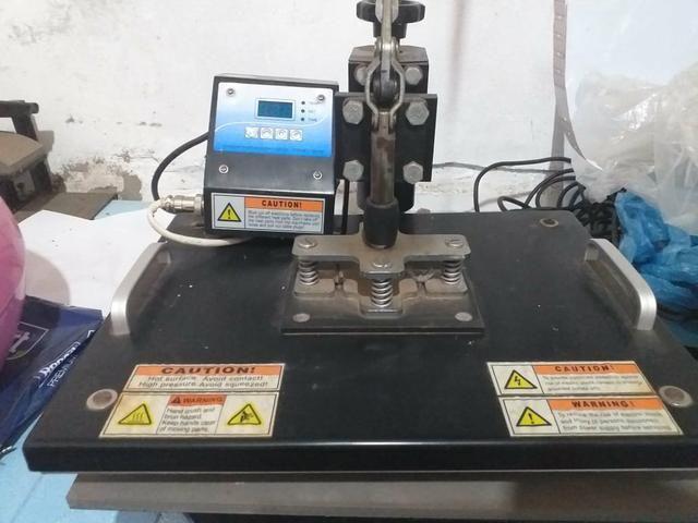 Prensa Térmica pra Sublimação 40x40 8x1, e uma impressora Epson pra tinta sublimática - Foto 2