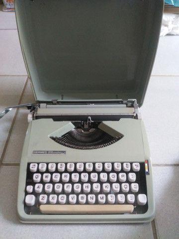 Máquina de escrever década de 60/70 - Foto 5