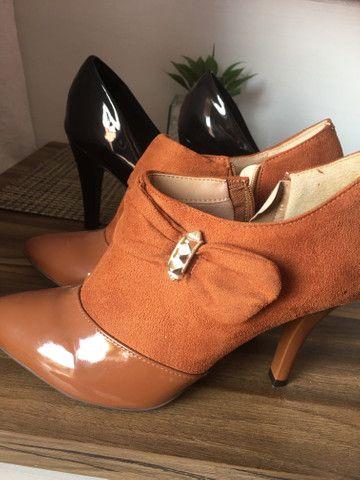 Sapatos novos 37 - Foto 2