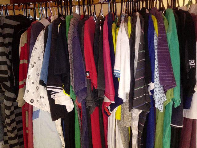 Vendo lote de roupas para Brechó ou bazar - Foto 4
