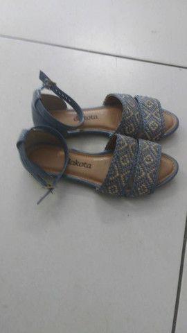 Sapatos tamanho especial 33/34 - Foto 2
