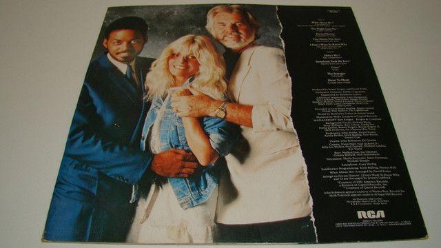 LP Vinil - Kenny Rogers - About Me - 1.983 - 10 músicas - Foto 2