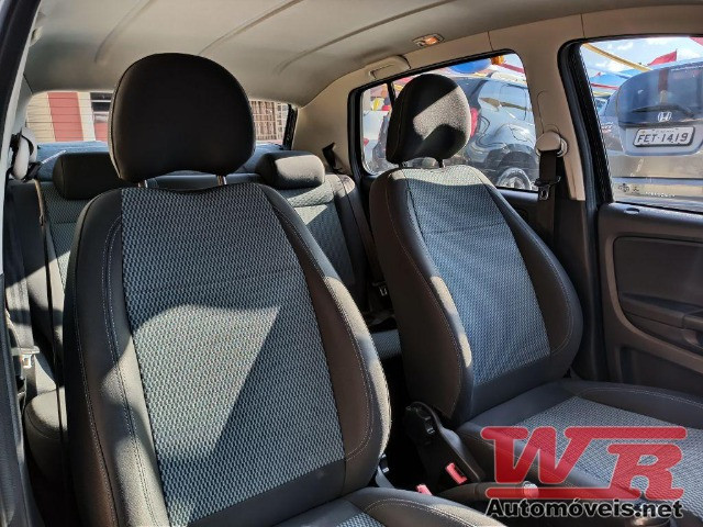 Volkswagen Fox Bluemotion 1.0 Flex Completo, Baixo KM - Foto 5