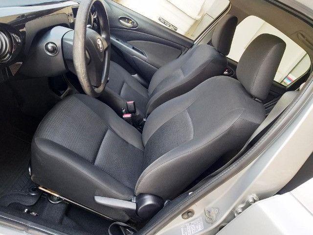 Toyota Etios Hatch 1.3 X Flex - 2013/2014 - R$ 34.000,00 - Foto 7