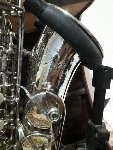 Sax saxofone alto Eagle sa 500 novinho zerado lindo - Foto 4