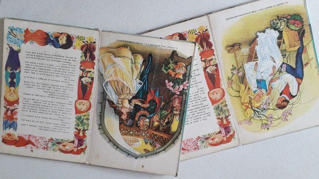 Livros infantis Estorias infantis antigo com 2 volumes - Foto 4