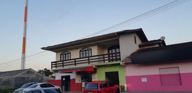 Alugo Sobrado piso superior com 3 dormitórios no bairro Paranaguamirim - Joinville/SC