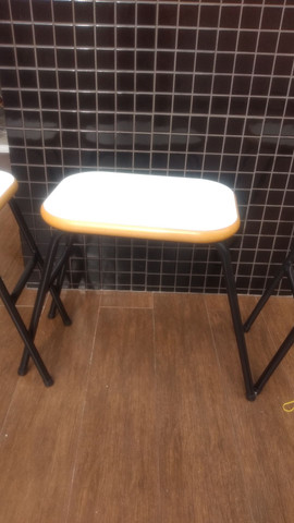 3 banquetas para cozinha 0,45 cm alturas 0,40 cm de largura - Foto 2