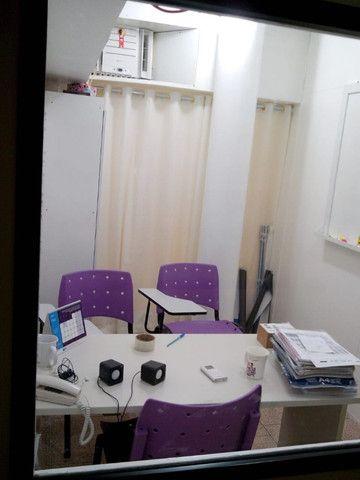 Sala (vc fica com as chaves) no Centro com internet e ar condicionado