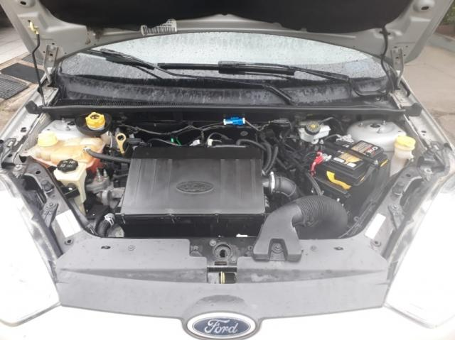 Ford Fiesta Rocam 1.6 SE SEDAN 8V FLEX 4P MANUAL 5P - Foto 4