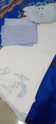 Lote de lençol para berço e almofada de amamentação  - Foto 5