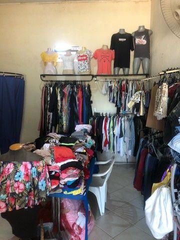 Vendo loja de roupas novas e usadas  - Foto 3