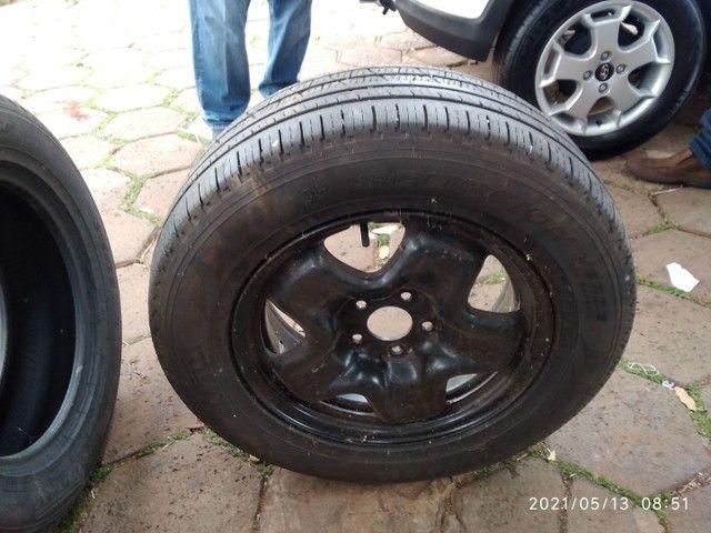 Vende se 2 pneus sem Aro e 1 com aro usados - Foto 12