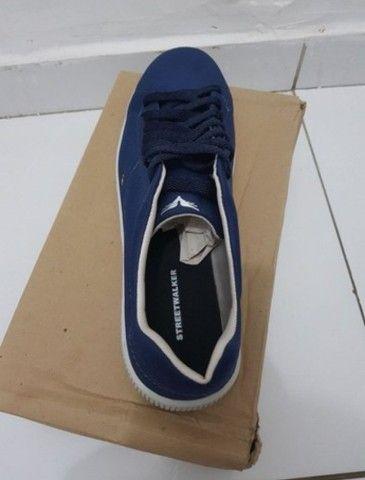Vendo 2 pares de sapatos na numeração 42 nunca foram usados  - Foto 4