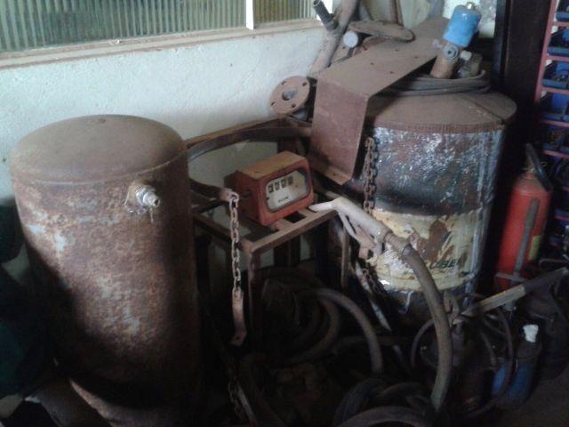 Comboio de abastecimento e lubrificação