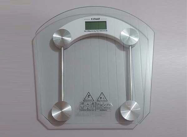 Balança Digital Residencial Vidro Temperado de peso 180kg p/ banheiro academia