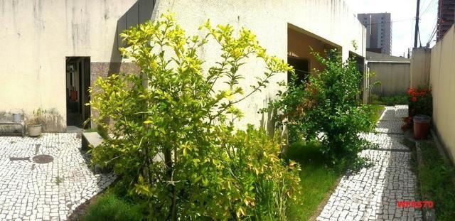 Casa na Aldeota, ponto comercial de esquina, 4 quartos, 2 vagas, próximo a Dom Luís - Foto 12