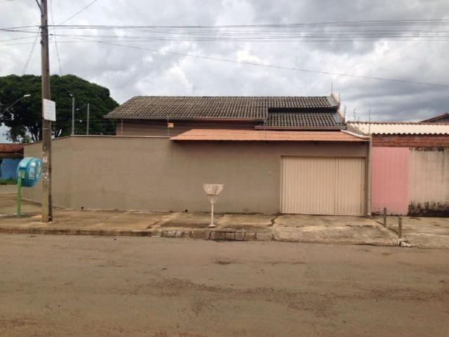 Casa 3 quartos-Ágio: 100.000,00-Saldo devedor 97.000,00-1 suíte-130 m², Jd. Itaipu-Goiânia