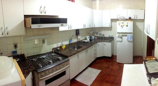 Casa plana na varjota, 3 suítes, esquina, 4 vagas de garagem, Piscina, próx Via expressa - Foto 4