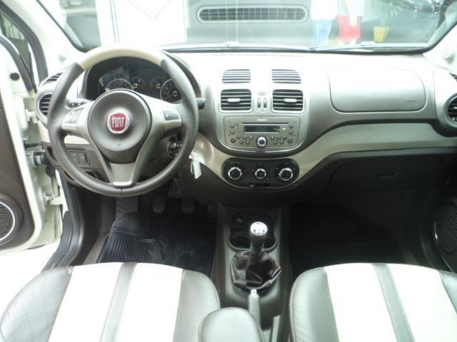 Fiat Grand Siena Essence 1.6 Sublime - Foto 8