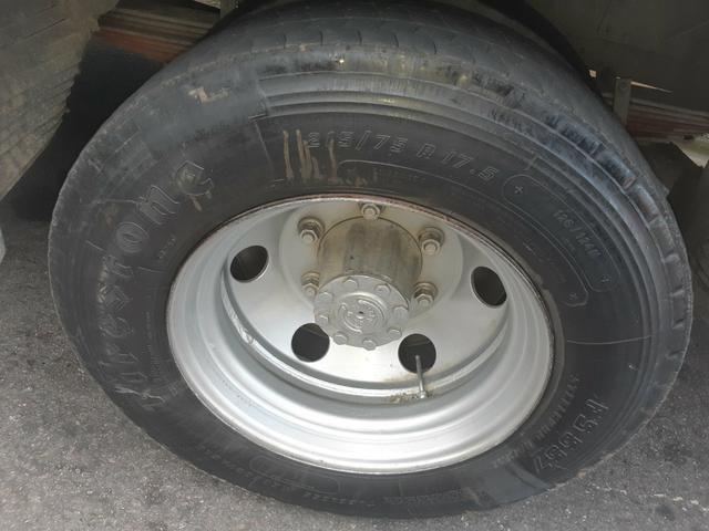 Vendo 4 aros com pneus