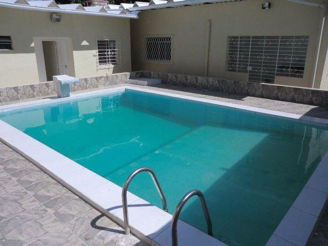 Casa reformada. 5 quartos, todo na cerâmica, 3 salas, piscina em Pau Amarelo - Foto 9