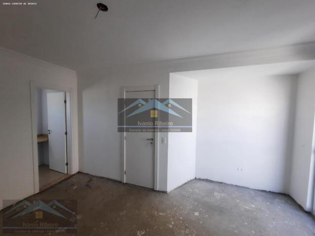 Sobrado para Venda em Curitiba, UBERABA, 4 dormitórios, 1 suíte, 4 banheiros, 3 vagas - Foto 8