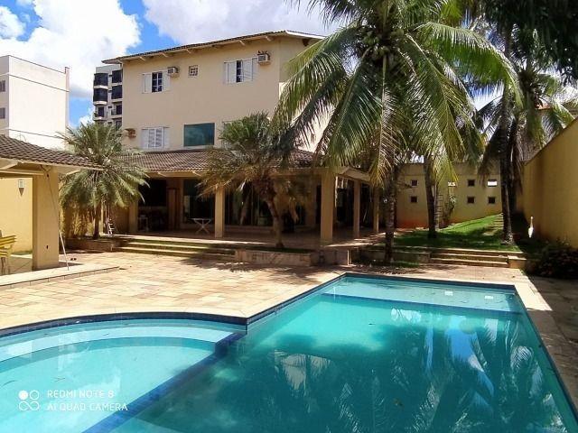 Permuta-se sobrado com piscina em Caldas Novas por imóvel em Goiânia