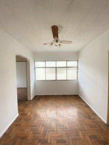 Lins /Méier - Apto com 2 quartos em condomínio fechado;