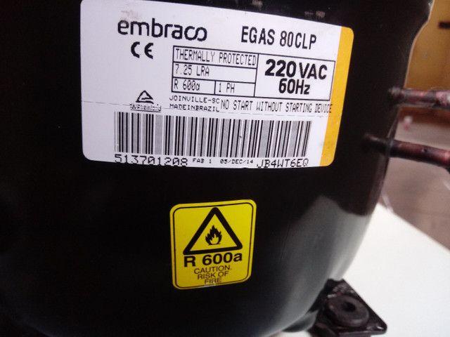 Vendo motor de geladeira novo na caixa - Foto 2