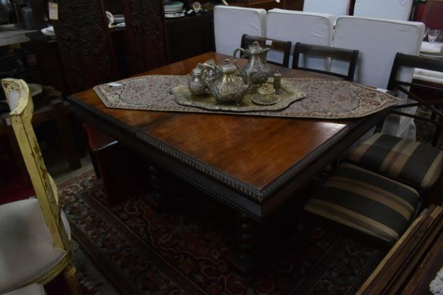 Mesa de imbuia retrátil estilo manoelino - Parc10x -Mercado das Pulgas