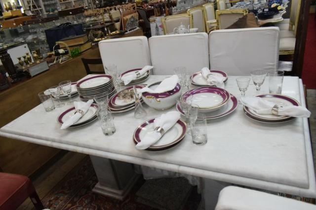 Mesa em mármore branco com aba - Parc 10x-Mercado das Pulgas