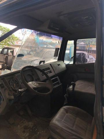Sucata de Caminhão M. Benz 710 Plus 10/11(Somente p/ retirada de peças) - Foto 8