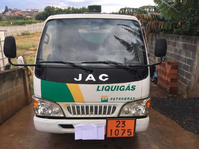 Jac T140 carroceria bau