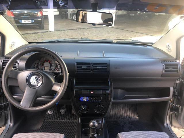 VW - Volkwagen - Fox 1.0 MI 8V Flex - Foto 2