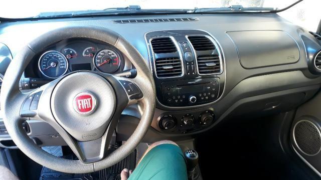 Fiat Grand Siena Actrattive 1.4 2014 - Foto 12