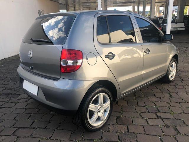 VW - Volkwagen - Fox 1.0 MI 8V Flex - Foto 4