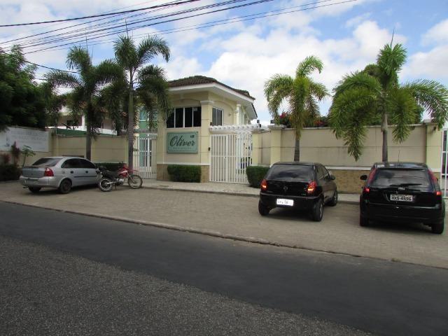 CA 303 - Casa em condomínio