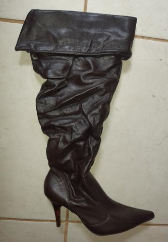 Bota de couro preta e marrom 35 - Foto 4