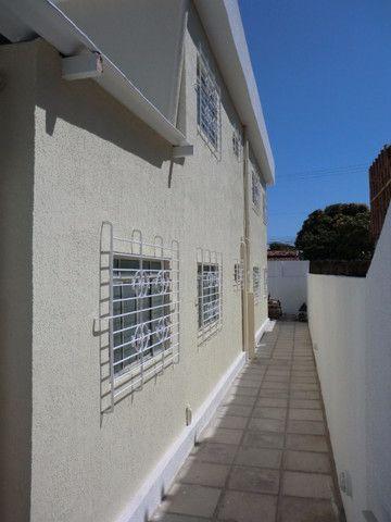 Casa reformada. 5 quartos, todo na cerâmica, 3 salas, piscina em Pau Amarelo - Foto 4