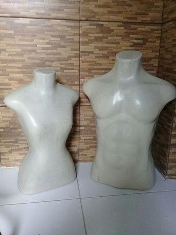 Manequins feminino e masculino