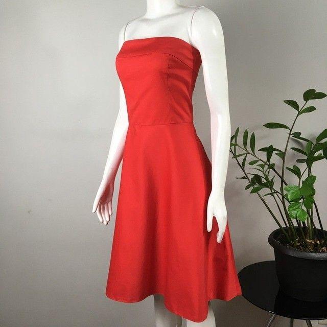 Vestido modelo tomara-que-caia, acinturado, saia evasê, vermelho bazar desapego brechó - Foto 2