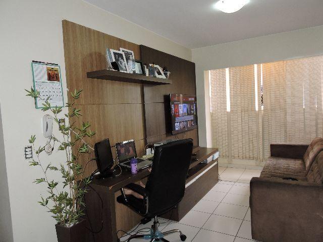 Arlindo vende apartamento 02 quartos, suíte 57 m2 c/armários