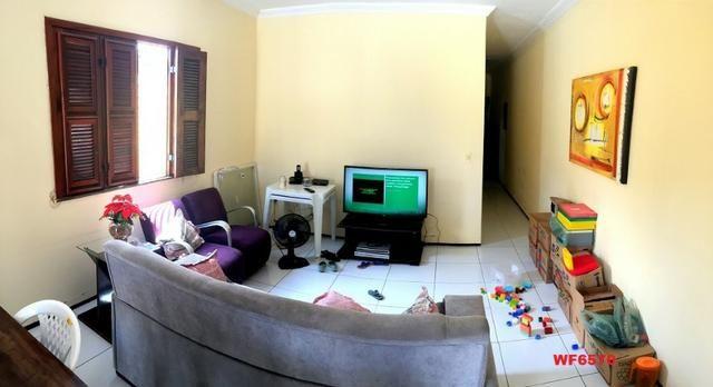 Casa plana no Castelão, 3 quartos, 6 vagas, deck com churrasqueira, - Foto 2