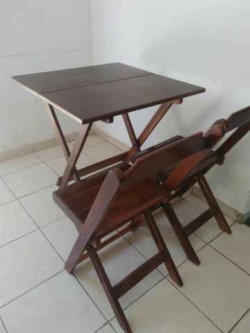 Cadeiras e mesa