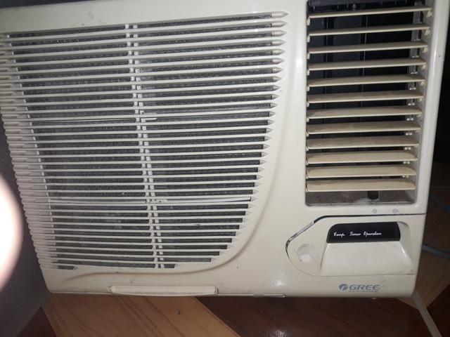 Vendo ar condicionado 7500 com controle remoto