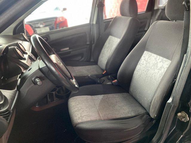 Fiesta sedan 1.0 2008 - Foto 8