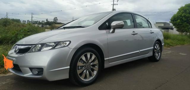 Vendo ou troco por carro Xt ou Hornet Honda Civic 2011