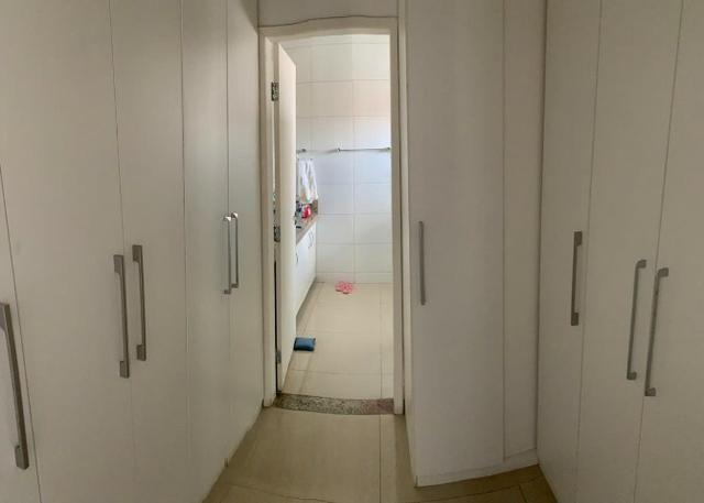 Casa no bairro Caminho do Sol, com: 4 quartos, sendo duas suítes // #piscina #escritório - Foto 3