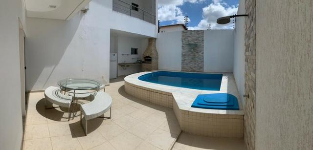 Casa no bairro Caminho do Sol, com: 4 quartos, sendo duas suítes // #piscina #escritório
